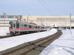 路線は奥羽本線になり、新青森駅へ