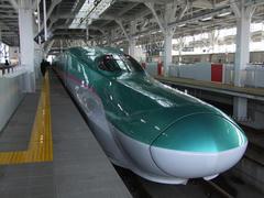 真新しい新幹線E5系