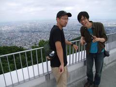 藻岩山の展望台に到着!…札幌市内が見渡せます