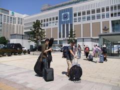 天気に恵まれた最終日…札幌駅前にて