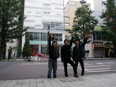 背後は CROSS HOTEL 札幌