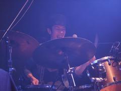 ドラム、伊藤隆郎!