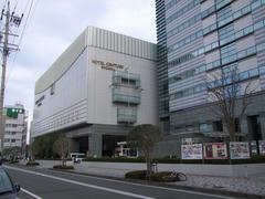 静岡駅前に位置します