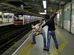 身軽になって、大阪の街へと繰り出します!