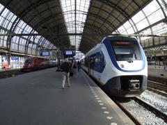 フランスのパリとを結ぶタリス(左)等、列車の顔触れはとてもバラエティに富んでいます