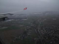 チューリッヒの空港に向け、降下中