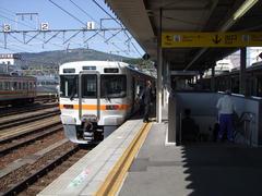 中津川駅にて…この辺りからローカル色が濃くなってきます