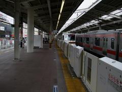 ホームドアがあるので、異なった雰囲気を持つ和光市駅