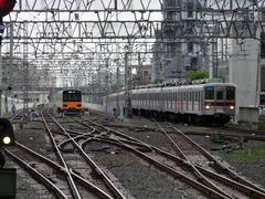 複々線は、ここ志木駅まで