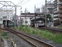 再度埼京線(川越線)の車両と顔を揃えます