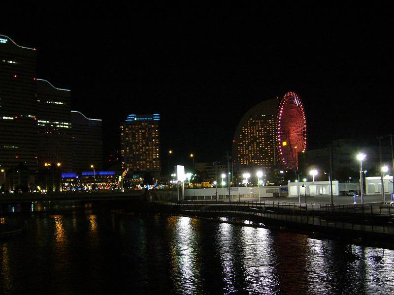 みなとみらいの夜景2(クイーンズスクェア、パシフィコ横浜、大観覧車)