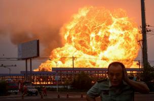 影の軍隊,民選党,天津大爆発,中国,爆薬,爆発,広西連続爆破事件,中国政府打倒,
