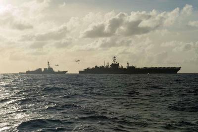 米海軍,第七艦隊,7thFleet,人工島,尖閣,領土,空母,ジョン・ステニス,南シナ海,スプラトリー諸島,軍艦,中国海軍