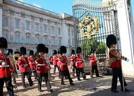 BuckinghamPalace,Knife,中国人,エリザベス女王,バッキンガム宮殿,侵入