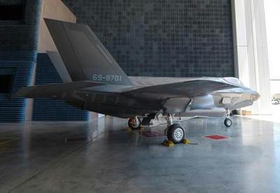 F35,F3,空自,ステルス戦闘機,新型戦闘機,第五世代機,ロッキード,岩国,海兵隊