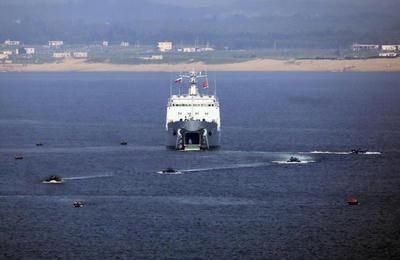 海上合同2016中国,China,ロシア,Russia,軍事合同演習,上陸作戦,ジャンカイII型,戦車揚陸艦,輸送艦,蘭州級駆逐艦