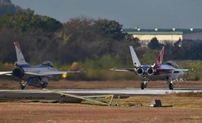 X2,F3,岐阜基地 ,空自,ステルス戦闘機,三菱,IHI,新型戦闘機,第五世代機,F35
