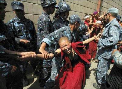 十字架,中国,キリスト教,Buddhist,Muslim,弾圧,Christianity,crackdown,China,Antichrist,communist,ウイグル,チベット