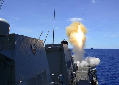 海自,いせ,護衛艦,カールビンソン,空母,航行の自由,艦船,潜水艦,船,乗り物,軍事,防衛,アジア,南シナ海,