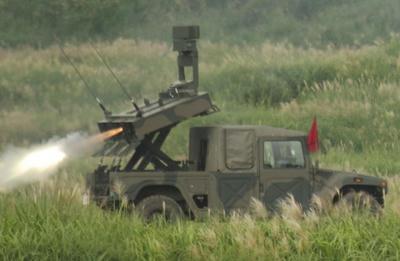 北朝鮮,飛翔体,発射,短距離ミサイル,軍事パレード,新型兵器,ポンゲ6,クムソン3,ミサイル,ロケット,乗り物,飛行機