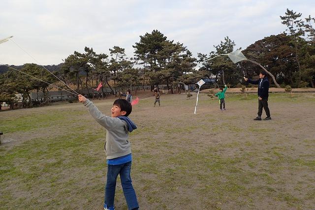 TIDEPOOL「かたち」 凧を飛ばしてみよう!
