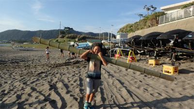 月曜日かたちクラス 「竹筏プロジェクト ついに浜辺へ」