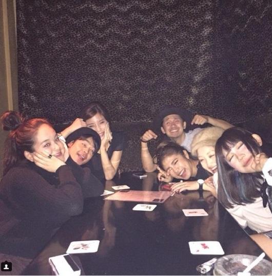【エーライツ噂】テラスハウス、元メンバーが集結!今井華、近藤あやの誕生日を祝う
