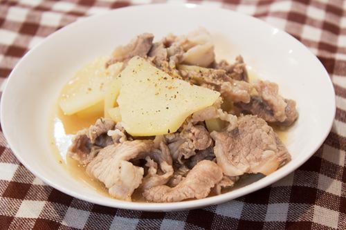 豚肉とジャガイモのビール煮