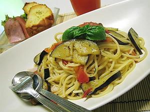 茄子とトマトのペペロンチーノ