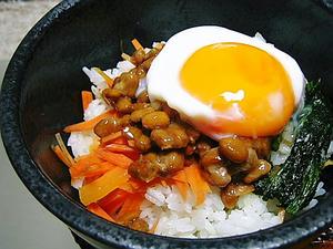 温たまのせ納豆丼