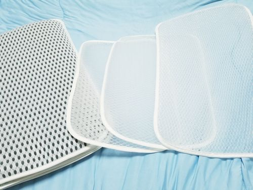 子供から大人高齢者まで使えるメッシュ素材メッシュ構造の固い枕を買った丸洗いできるからすぐ乾く