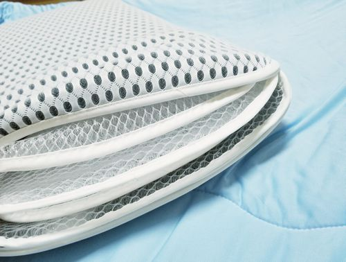 子供から大人高齢者まで使える兼用メッシュ素材メッシュ構造の固い枕を買った丸洗いできるからすぐ乾く