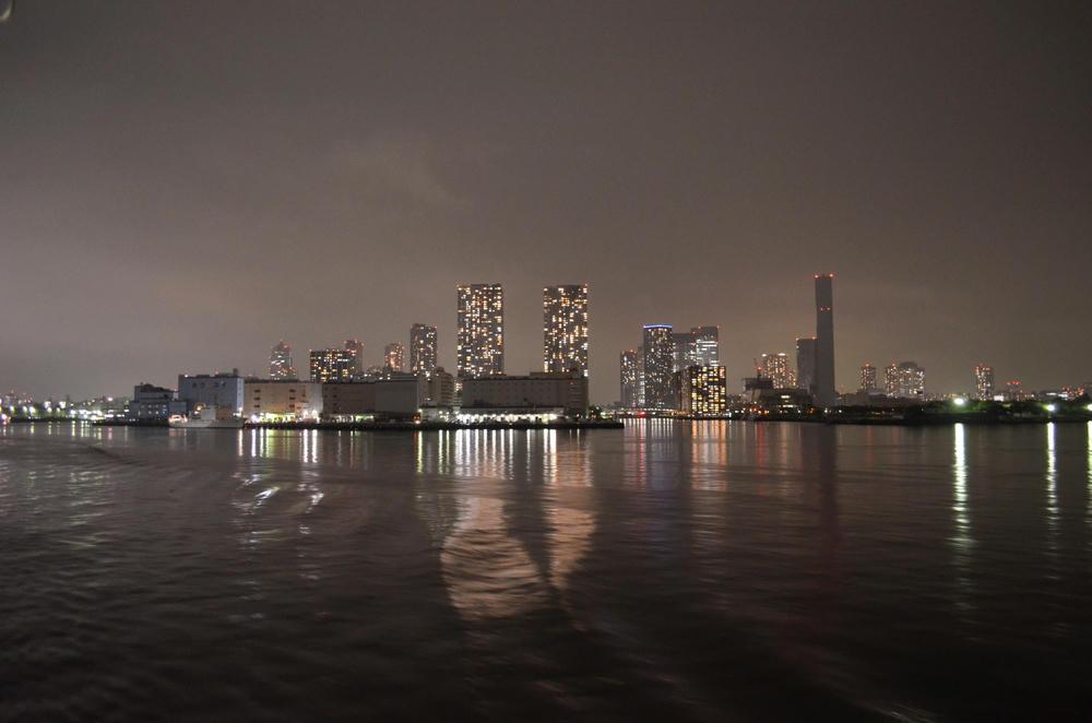 東京湾の夜