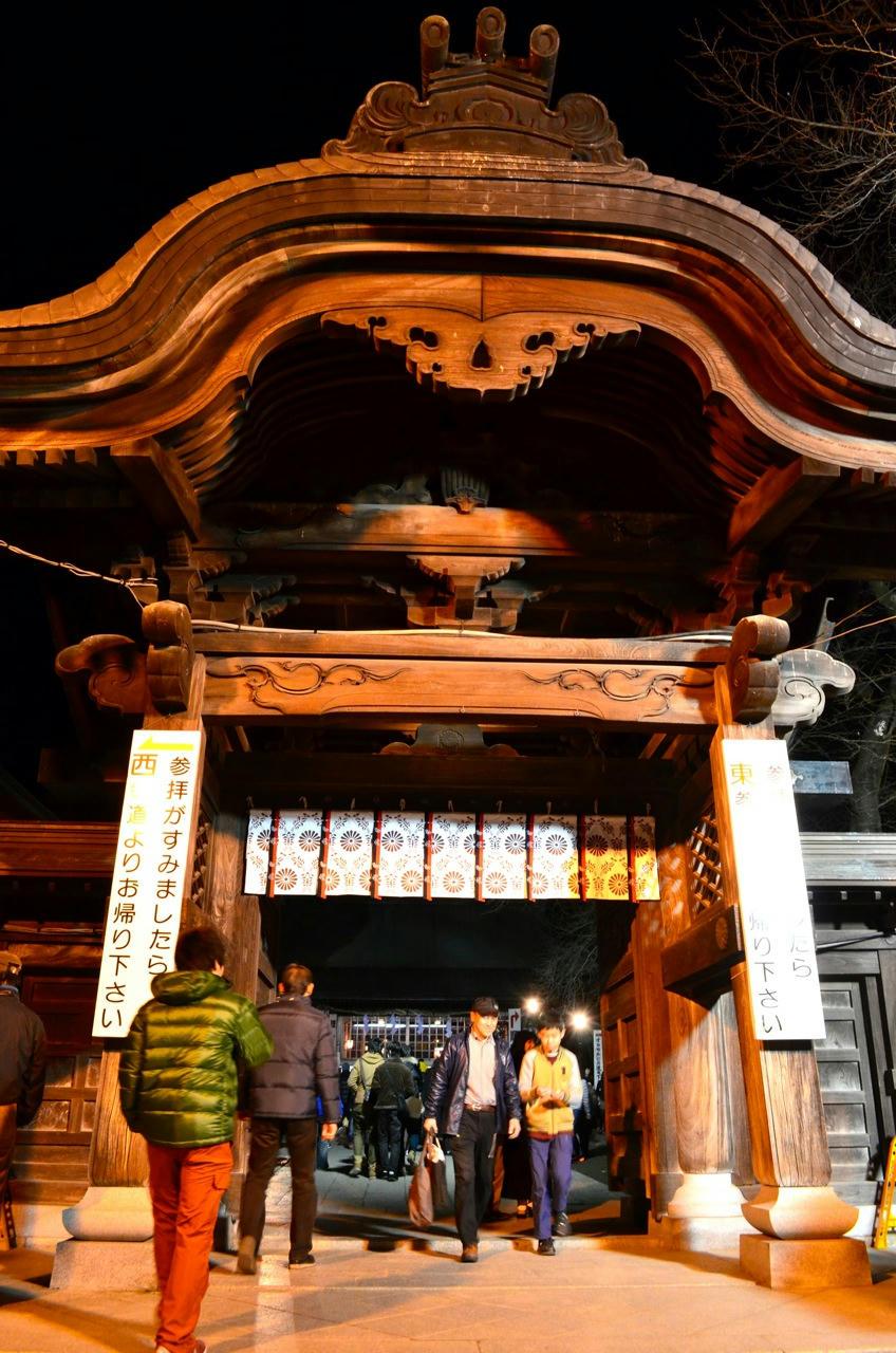 夜の初詣、宇都宮二荒山神社にて