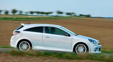 Opel-astra-05.jpg
