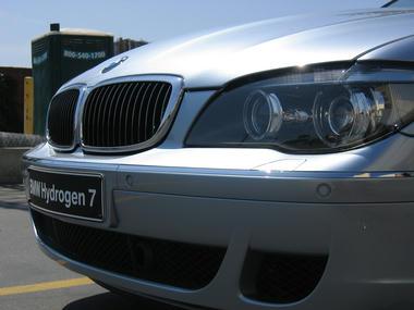 hydrogen-BMW7-03.jpg