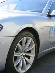 hydrogen-BMW7-04.jpg