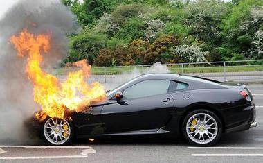 Ferrari-599-GTB-Fiorano-in-flames-2305.jpg