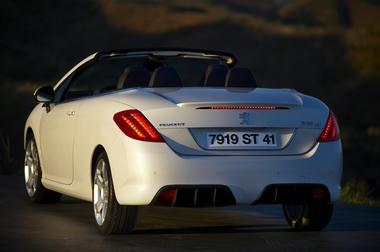 Peugeot_308cc_10.jpg