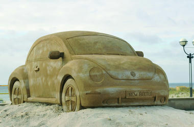VW-New-Beetle-Sand-Carscoop-1.jpg