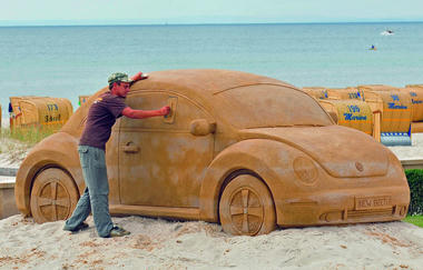 VW-New-Beetle-Sand-Carscoop-3.jpg
