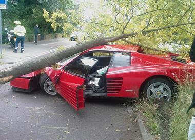 Testarossa-Accident-Ferrari_0.jpg