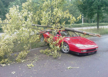 Testarossa-Accident-Ferrari_1.jpg