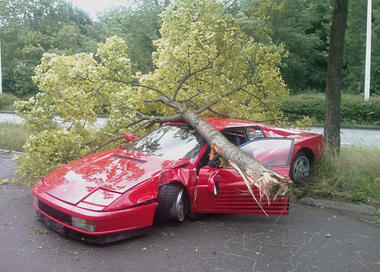 Testarossa-Accident-Ferrari_2.jpg