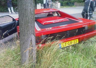 Testarossa-Accident-Ferrari_3.jpg