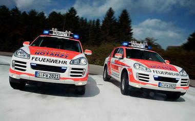 Porsche-Cayenne-Ambulance-02.jpg