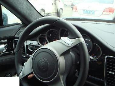 Porsche-interior-02.jpg