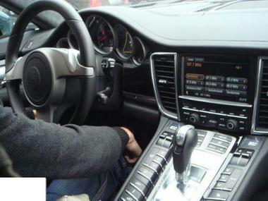 Porsche-interior-04.jpg