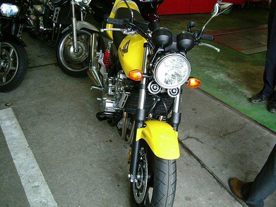 CB400SF Revo