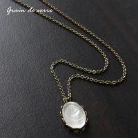 ヴィンテージ/バラのレリーフのネックレス